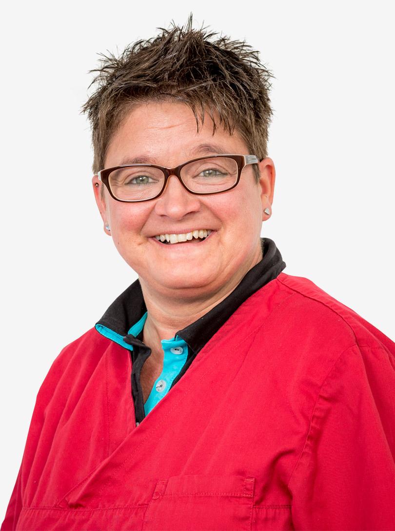 Iris vom Verwaltungsteam unserer Zahnarztpraxis in Dülmen